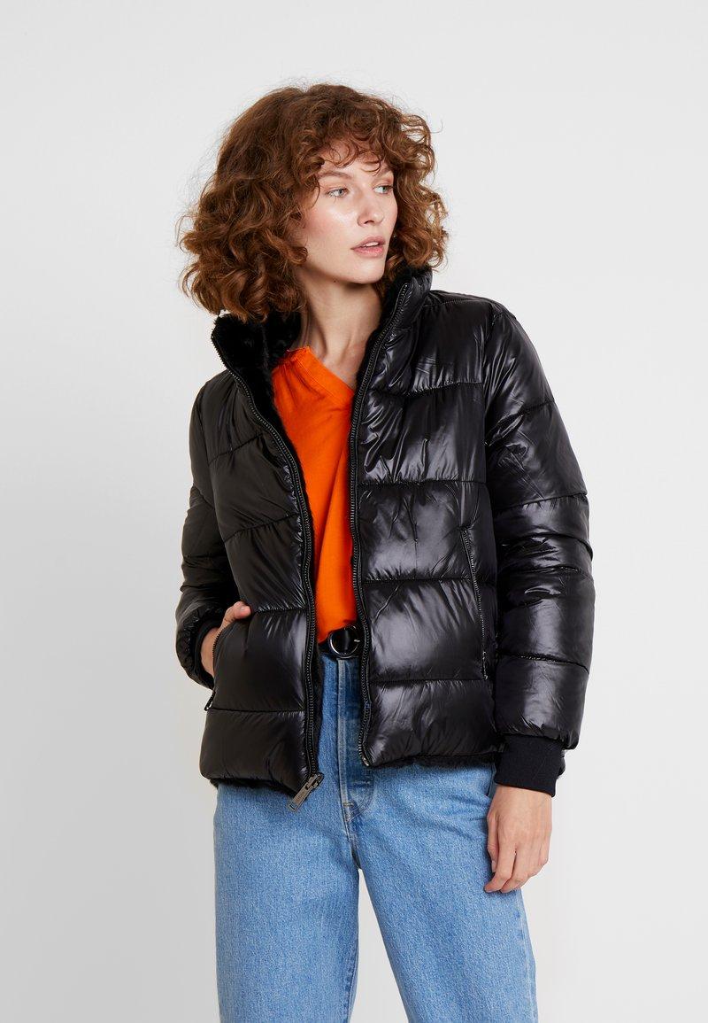 Guess - FELICIA REVERSIBLE JACKET - Winter jacket - jet black