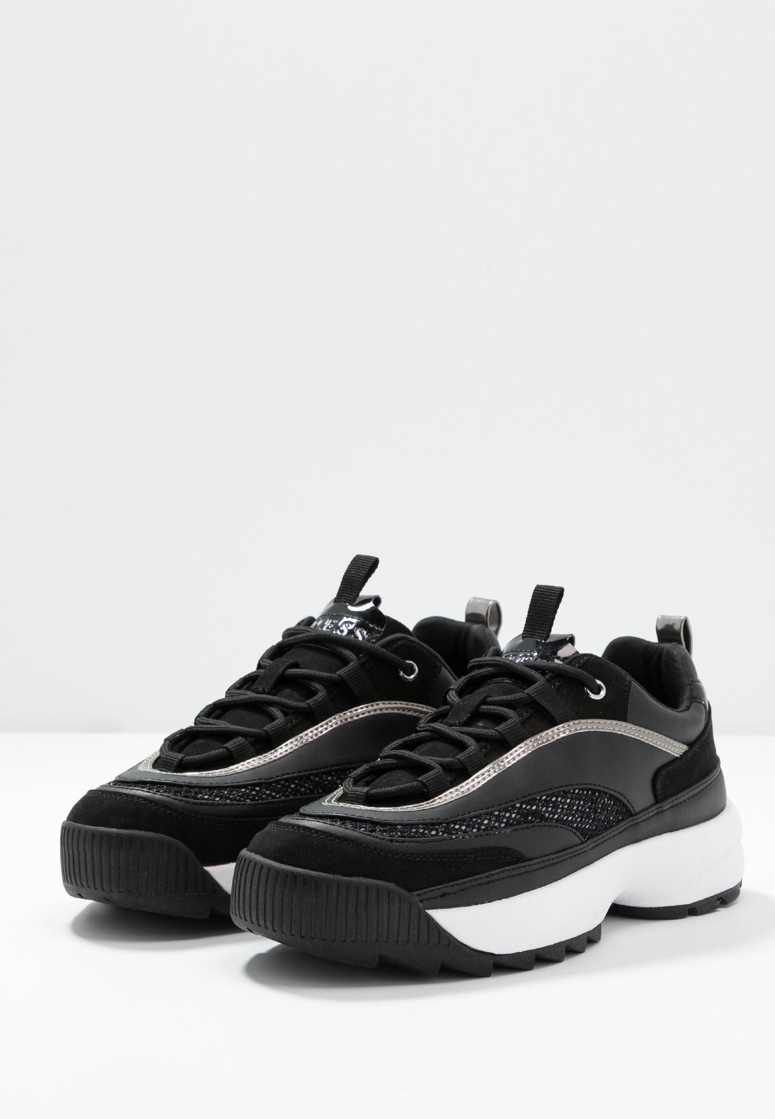 KAYSIE Sneakers black