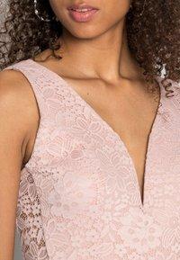 WAL G. - JOSEPHINE DRESS - Společenské šaty - blush pink - 4