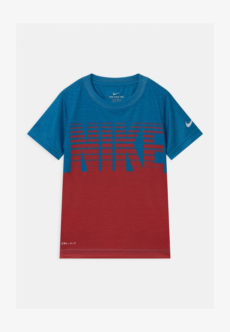 Nike Sportswear - BLOCK STACKED - T-shirt con stampa - game royal