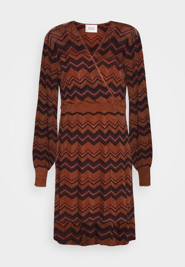 JANILLA DRESS - Vapaa-ajan mekko - argan oil