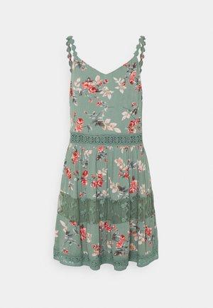 ONLKARMEN ANNE LIFE DRESS - Denní šaty - chinois green