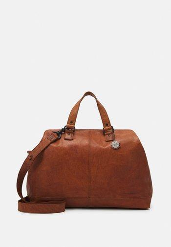 Weekend bag - brandy