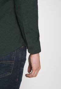 Farah - STEEN  - Shirt - fern green - 4