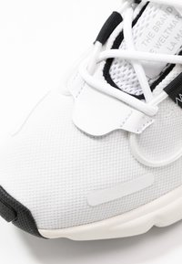 adidas Originals - LXCON  - Trainers - footwear white/core black/crystal white - 8