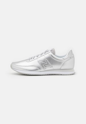 WL720 - Trainers - silver