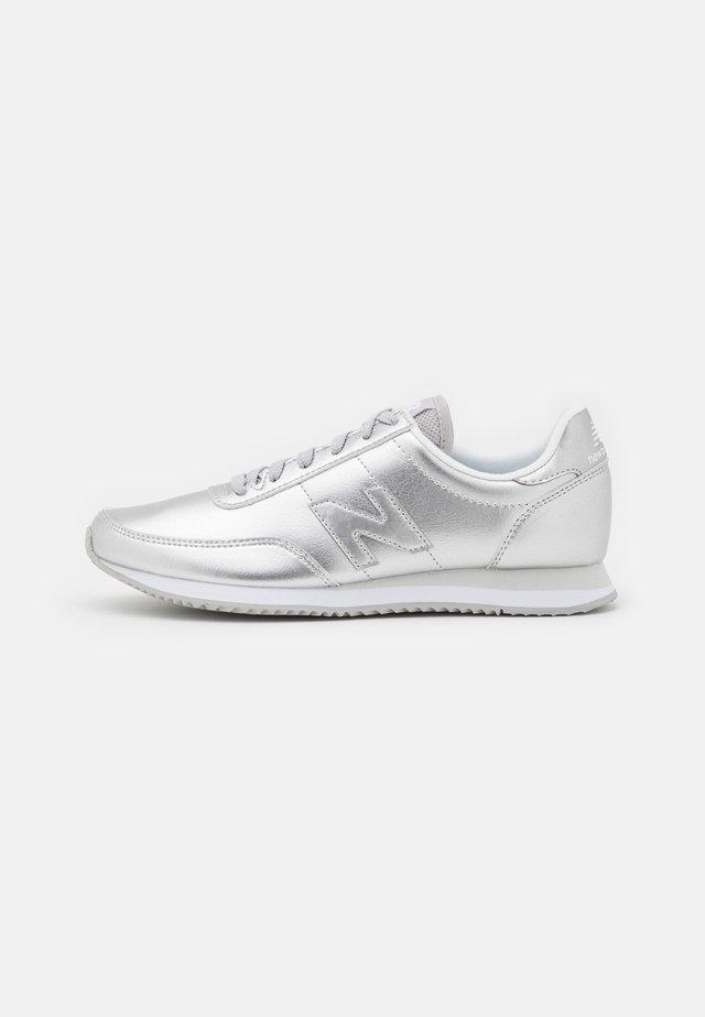 WL720 - Sneakers - silver
