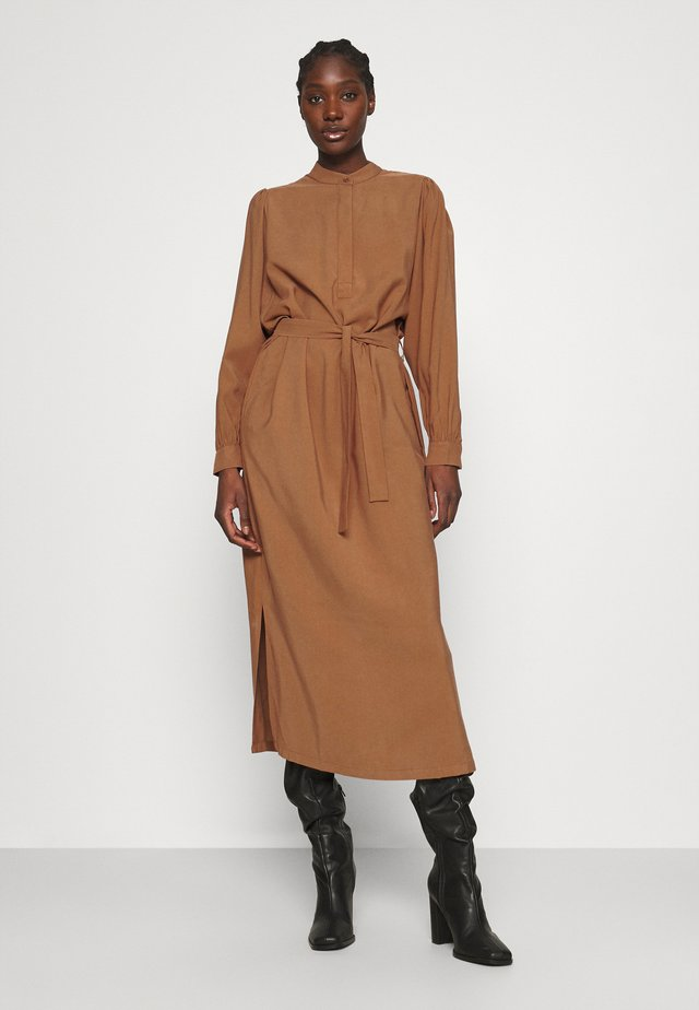 SHIKI DRESS - Shirt dress - cinnamon