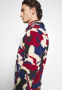 Another Influence - PRINTED BORG JACKET - Winterjas - multi - 4