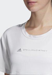 adidas by Stella McCartney - SPORT CLIMACOOL RUNNING T-SHIRT - Treningsskjorter - white - 7