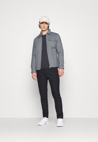 KnowledgeCotton Apparel - PINE QUILTED - Light jacket - total eclipse - 1