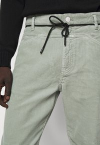 CLOSED - X-LENT  - Trousers - celadon green - 3