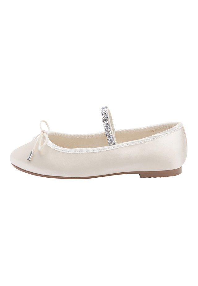 IVORY EMBELLISHED STRAP BALLET SHOES (OLDER) - Ankle strap ballet pumps - white