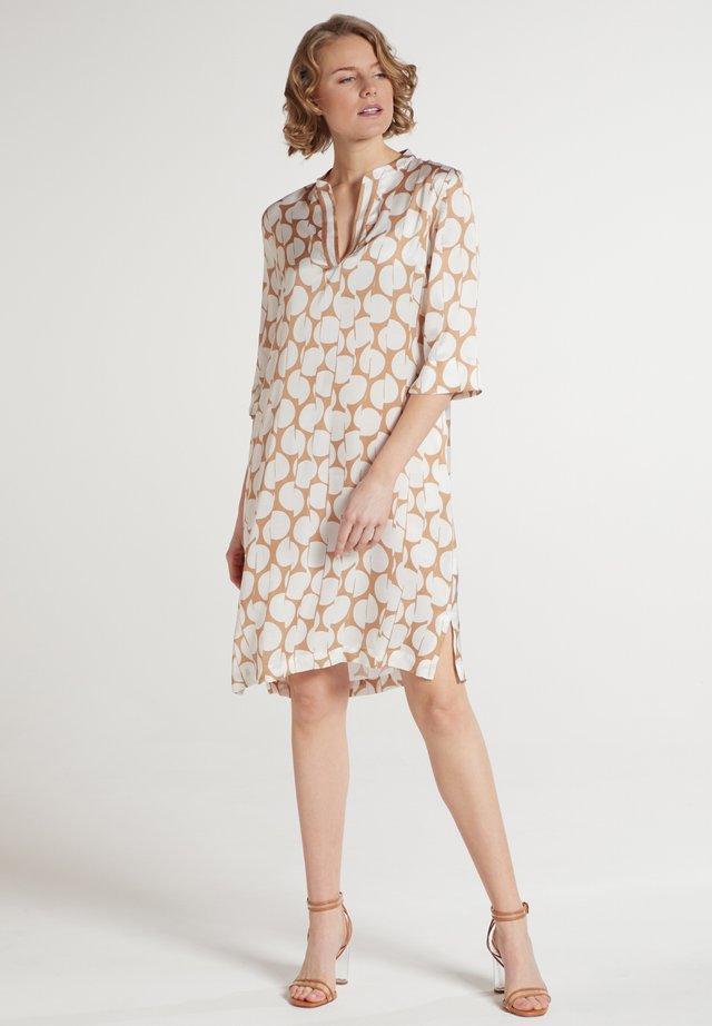 Korte jurk - beigebraun