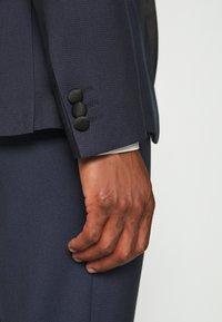 Isaac Dewhirst - TEXTURED TUX - Costume - dark blue - 8