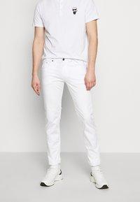 KARL LAGERFELD - Kalhoty - white - 0