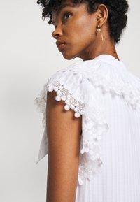 See by Chloé - Denní šaty - white - 5