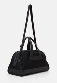 Armani Exchange - Weekend bag - nero - 1