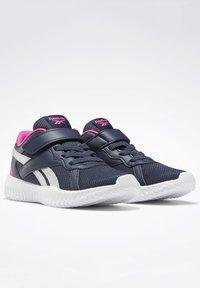 Reebok - FLEXAGON ENERGY 2 ALT SHOES - Chaussures de running neutres - blue - 5