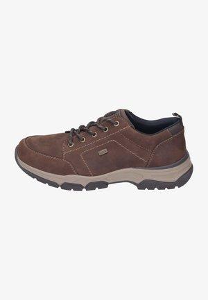 Sznurowane obuwie sportowe - noce/moro