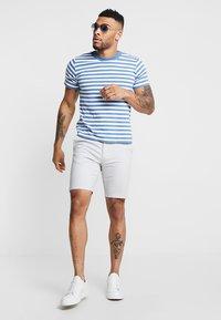 Burton Menswear London - NEW CASUAL - Shorts - light grey - 1