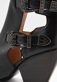 Pinko - PAPRICA TRONCHETTO - Boots à talons - nero limousine - 2