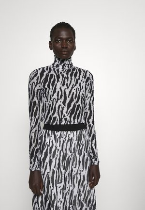 THORA ASTRA ROLL NECK - Maglietta a manica lunga - black