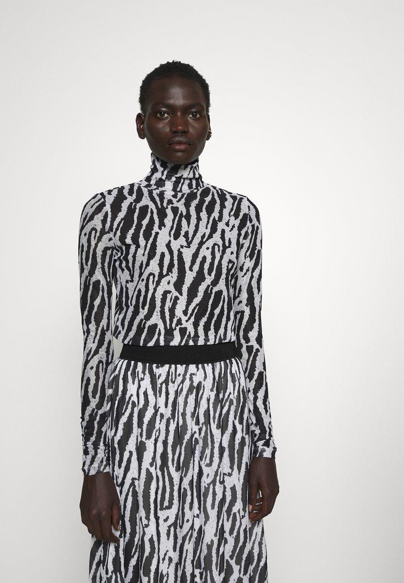 Bruuns Bazaar - THORA ASTRA ROLL NECK - Long sleeved top - black