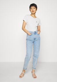 Calvin Klein Jeans - EMBROIDERY SLIM TEE - Basic T-shirt - white/grey heather - 1