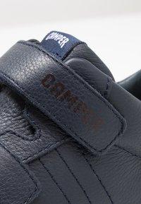 Camper - PURSUIT - Zapatos con cierre adhesivo - navy - 5