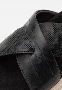 Bullboxer - Pantofle - black - 5