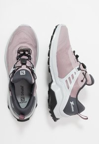 Salomon - X RAISE GTX - Hiking shoes - quail/india ink/flint - 1