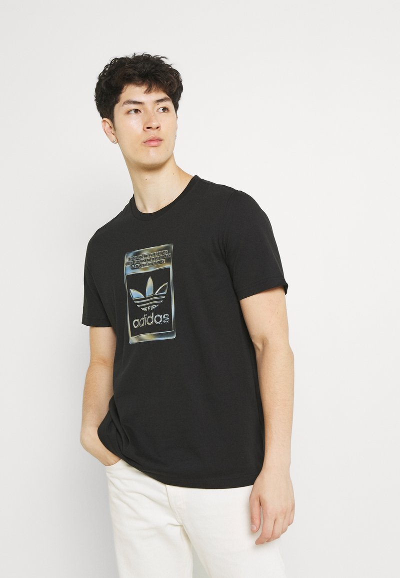 adidas Originals - CAMO INFILL TEE UNISEX - T-shirt med print - black