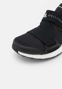 adidas by Stella McCartney - ASMC ULTRABOOST X - Zapatillas de running neutras - core black/footwear white - 5