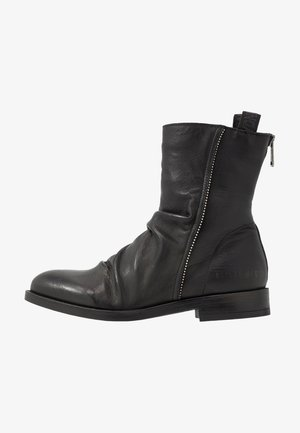 SILVES - Classic ankle boots - black