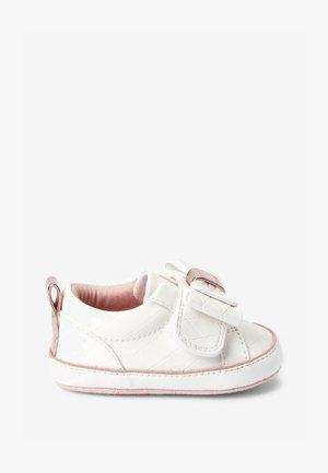 BAKER BY TED BAKER - Babyschoenen - white