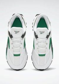 Reebok Classic - EVASION 20 SHOES - Zapatillas - white - 6