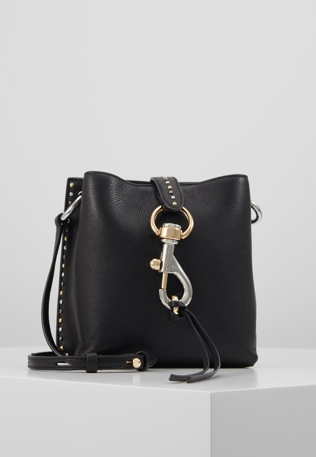 MEGAN MINI FEED BAG STUDS - Across body bag - black