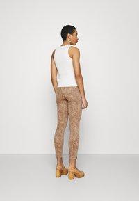 Mos Mosh - SUMNER LEO PANT - Jeans Skinny Fit - cuban sand - 2