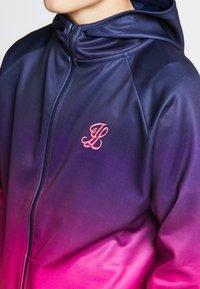 SIKSILK - ILLUSIVE LONDON JUNIORS  - Zip-up hoodie - navy/neon pink - 3