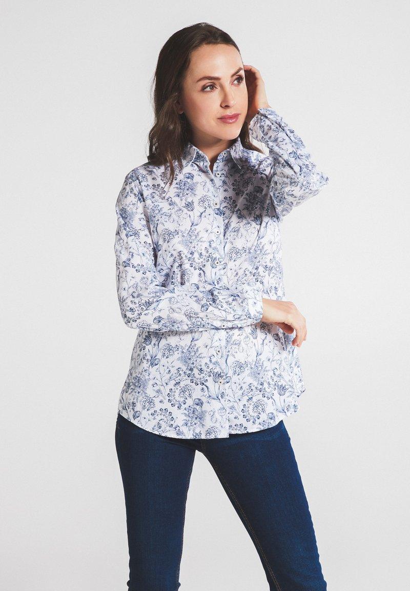 Eterna - MODERN CLASSIC - Button-down blouse - blau/weiß