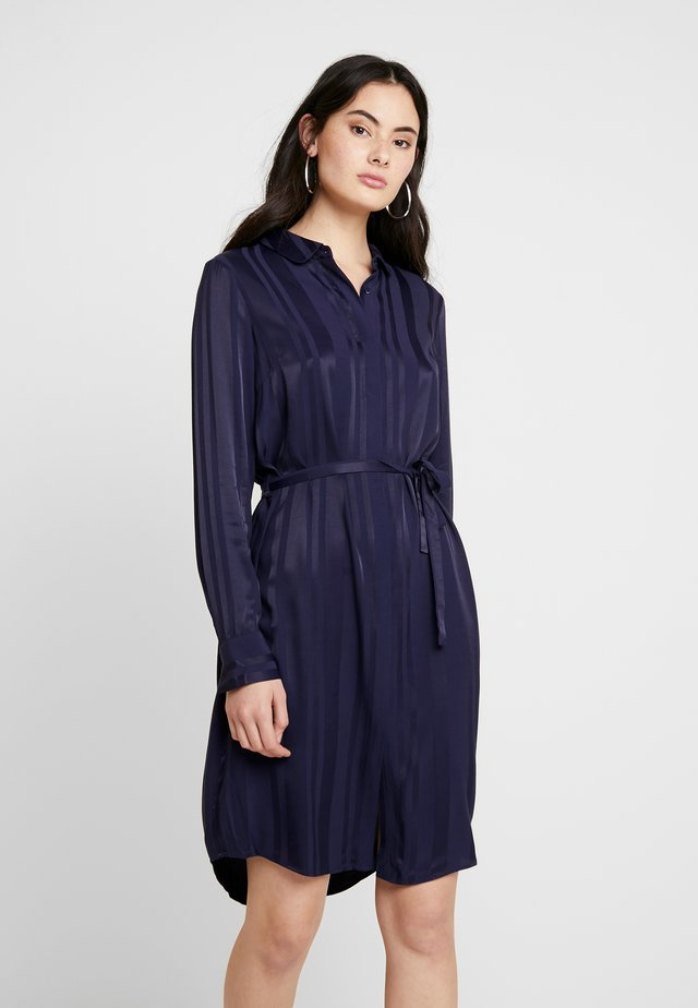 ZEBLEY DRESS - Skjortekjole - black iris