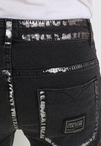 Versace Jeans Couture - COMFORT - Slim fit -farkut - black - 6