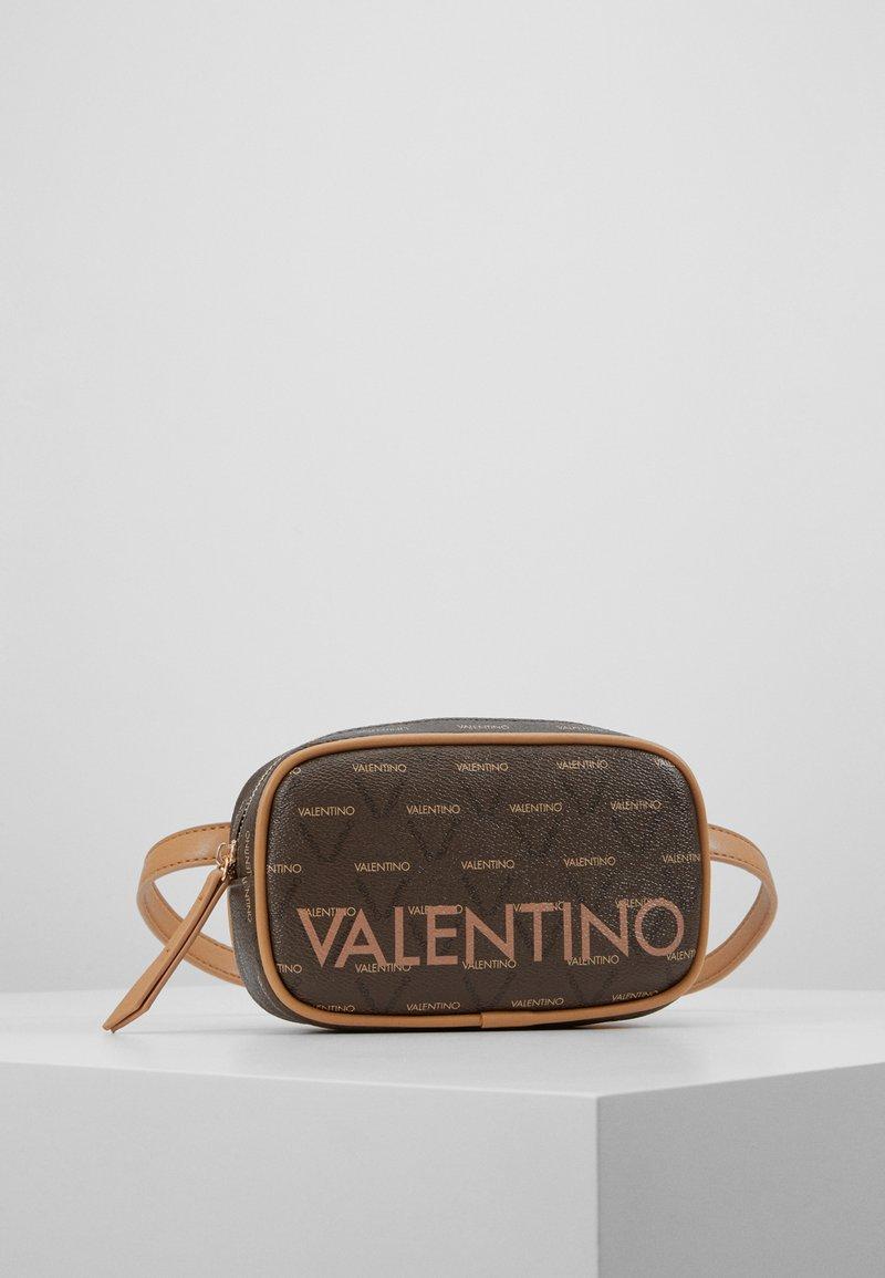 Valentino Bags - LIUTO - Rumpetaske - brown