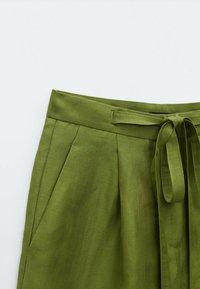 Massimo Dutti - Shorts - green - 2
