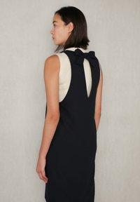 jeeij - Day dress - navyblack - 6