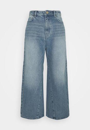 PEGGD LEG - Jean droit - blue denim