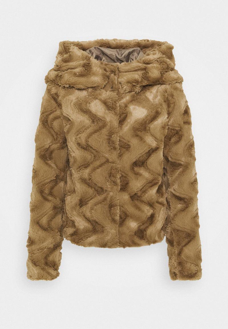 Vero Moda Petite - VMCURL HOODY FAUXFUR JACKET - Light jacket - sepia tint