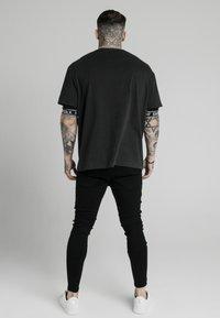 SIKSILK - DISTRESSED PRESTIGE SKINNY  - Skinny džíny - black - 2