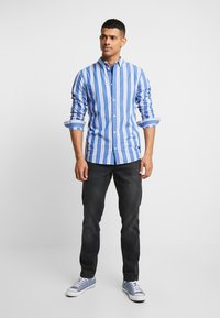Tommy Jeans - STRIPE SHIRT - Shirt - surf the web - 1